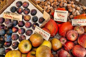 Fruit, Market, Figs, Apples, Walnuts