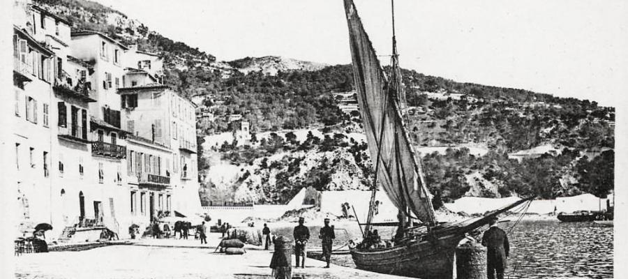 Villefranche-sur-Mer - Le Quai Amiral-Courbet